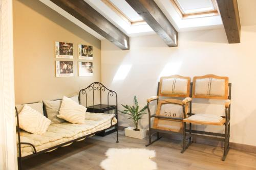 Double Room With Sloping Roof - single occupancy Hotel Teatrisso 4