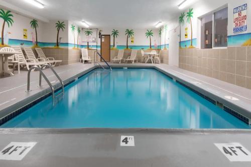 Days Inn by Wyndham Kansas City International Airport - Kansas City, MO MO 64154