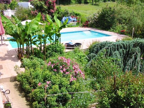 . Apartment with 2 bedrooms in Saint Etienne de Maurs with shared pool enclosed garden and WiFi 50 km from the slopes
