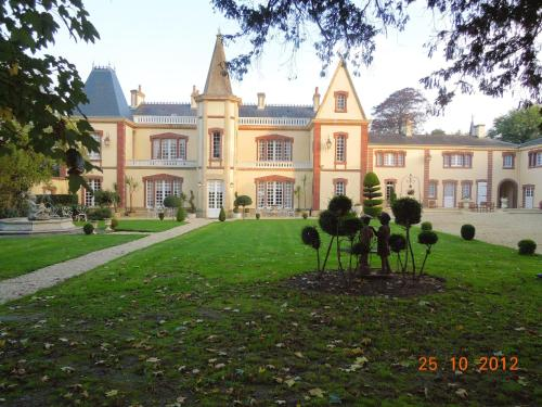 . Apartment with one bedroom in Bayeux with shared pool enclosed garden and WiFi
