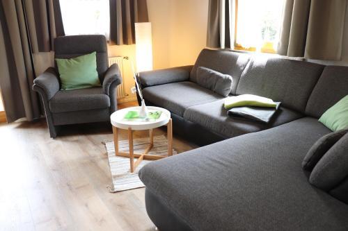 Wohnung #5 mit Balkon - zentrale dennoch ruhige Lage mit Terrasse - Stadtbus vor der Tur!