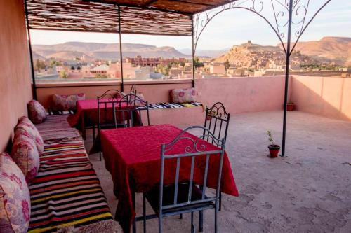 House with 5 bedrooms in Ait Ben Haddou with wonderful mountain view furnished garden and WiFi 300 k
