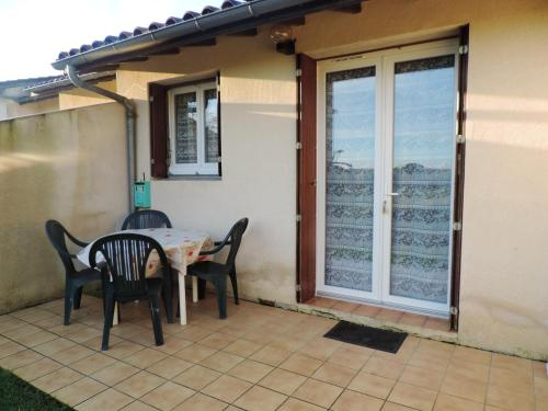 . Apartment with one bedroom in Cazaubon with enclosed garden and WiFi