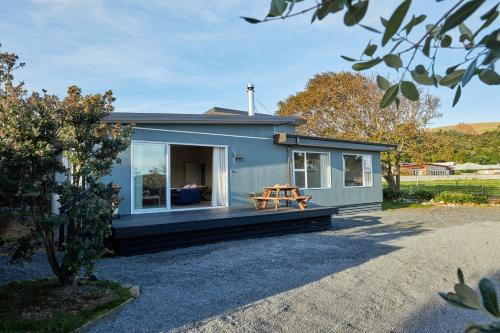 Simon's Place - Kaikoura Holiday Home