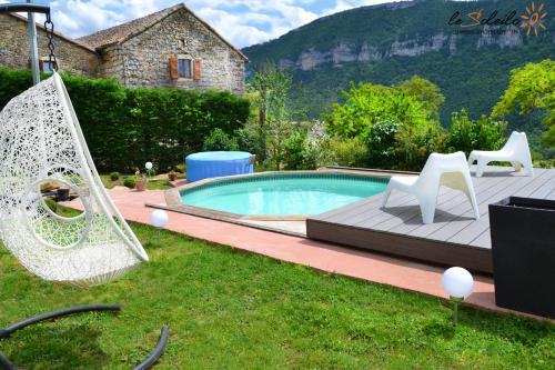 . Apartment with one bedroom in Mostuejouls with shared pool enclosed garden and WiFi