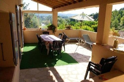 . Apartment with 3 bedrooms in VaisonlaRomaine with shared pool and WiFi