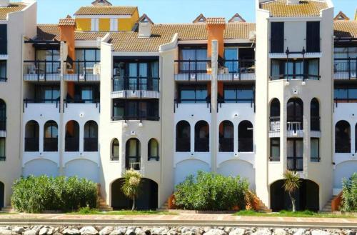 . Appartement de 2 chambres a Le Barcares avec magnifique vue sur la montagne piscine partagee et terrasse amenagee a 2 km de la plage
