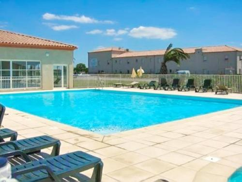 House with 2 bedrooms in GallarguesleMontueux with wonderful mountain view shared pool furnished garden 15 km from the beach