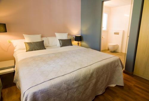 Habitación Doble - Planta baja Hotel Boutique Villa Lorena by Charming Stay 13