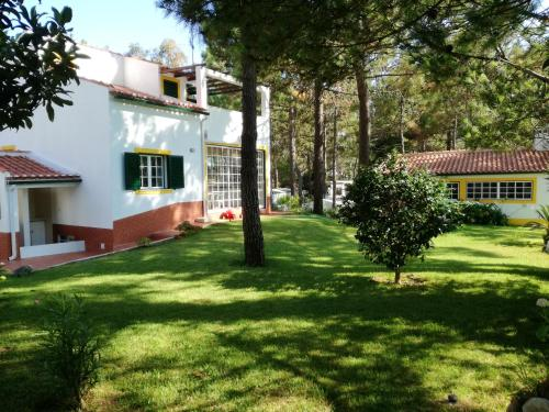 . Apartment with 3 bedrooms in Melides with wonderful sea view enclosed garden and WiFi