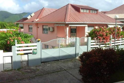 Apartment with one bedroom in SAINTE ANNE with WiFi - Location saisonnière - Sainte-Anne