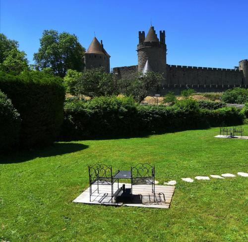 Good Knight - Hôtel - Carcassonne
