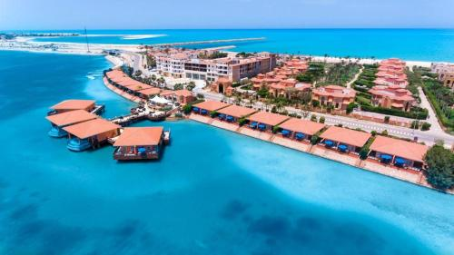. Golden Ocean Marina Hotel