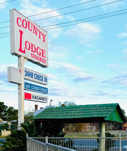 . County Lodge Motor Inn