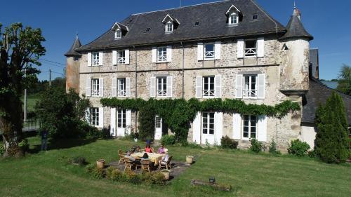 . Chateau de Savennes - Caveau de sabrage