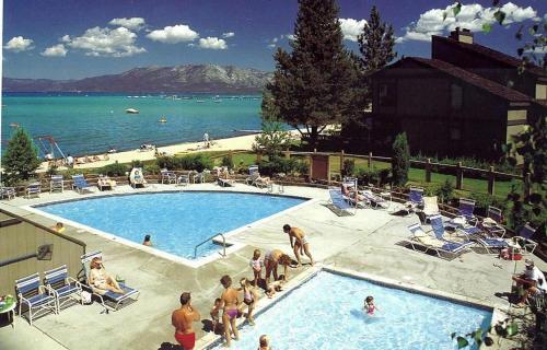 Sky Lake Splendor by Lake Tahoe Accommodations Main image 2