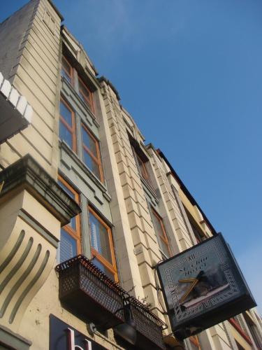 Hotel St. Clair Hotel Hostel