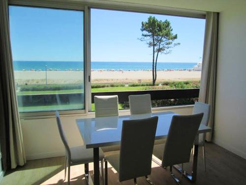 . Apartment with one bedroom in Saint Cyprien with wonderful sea view and WiFi 100 m from the beach