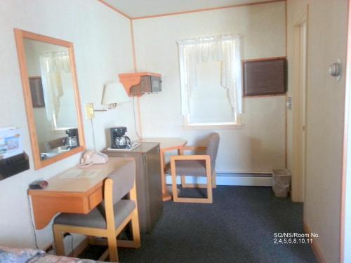 Budget Host Inn - Long Prairie - Long Prairie, MN 56347