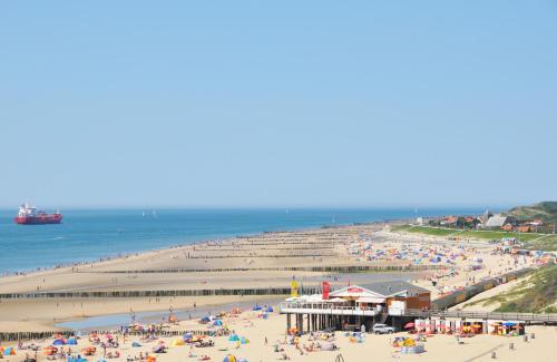 . Beach Hotel I Kloeg Collection