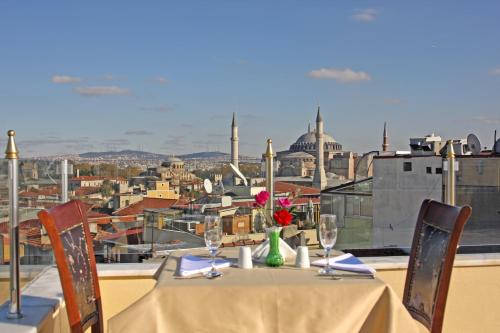 Aldem , Pension in Istanbul