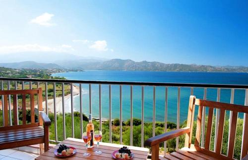 Appartement d'une chambre a Saint Florent avec terrasse amenagee a 50 m de la plage - Location saisonnière - Saint-Florent