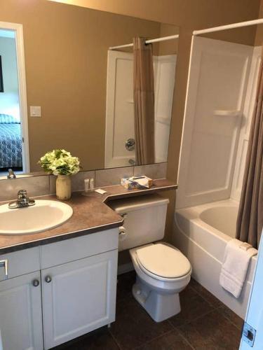 Paradise Canyon Golf Resort - Luxury Condo U403 - Lethbridge, AB T1K 6V2