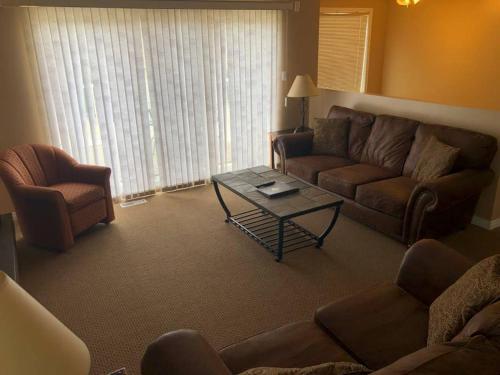 Paradise Canyon Golf Resort - Luxury Condo U399 - Lethbridge, AB T1K 6V2