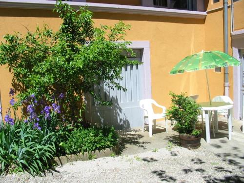 . Apartment with one bedroom in Salins les bains 60 km from the slopes