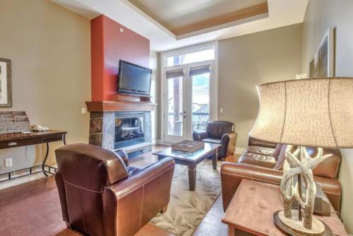 Instant Suites - 2BR 2Bath Mountain View Suite Near Banff - Canmore, AB T1W 0A3