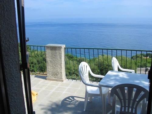Apartment with one bedroom in Pietranera with wonderful sea view and terrace