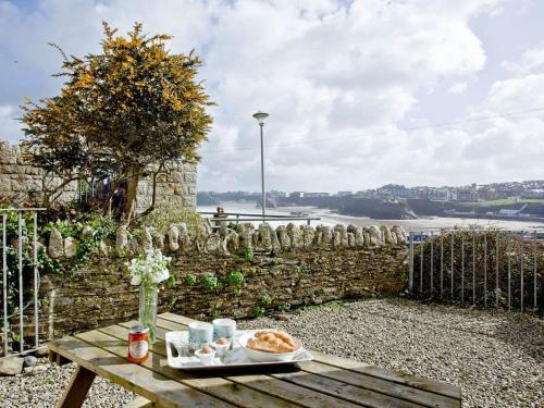 3 Harbour View, Porth, Cornwall