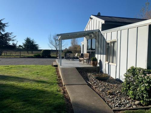 Spires Barn Lodge - Hotel - Christchurch
