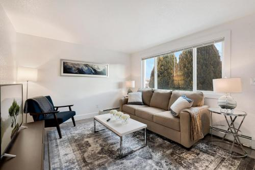 Trendy New Hideout in the Heart of the City - Apartment - Loveland Ski Area