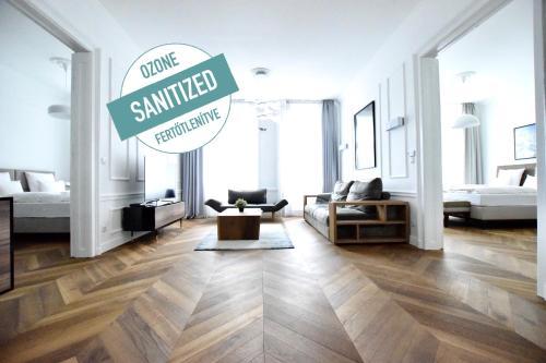 Luxury Apartment by Hi5 - Szervita Suite, Pension in Budapest