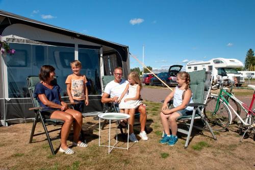 Sunne Camping (Empty lots) - Hotel - Sunne