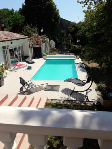 . Apartment with one bedroom in Donzere with shared pool enclosed garden and WiFi