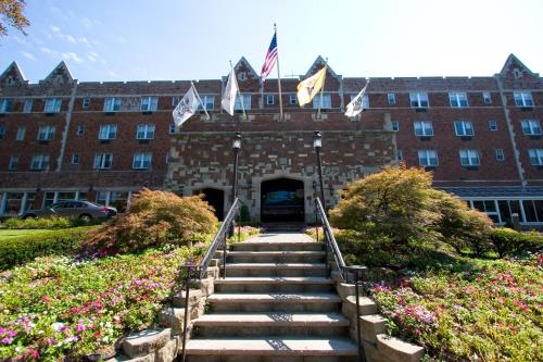 The Grand Summit Hotel - Summit