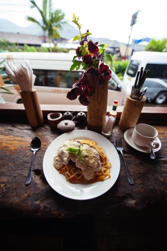 Chakra Backpacker Hostel & Vegetarian Bistro, Tabanan