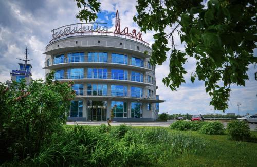 Hotel Hotel Mayak - Om Building