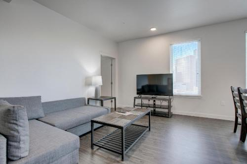 Downtown Central LA 30 Day rentals Main image 1