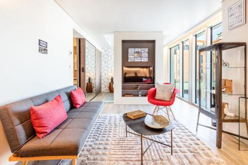 GuestReady - Mid-Century Apartment near Cais do Sodré - image 3