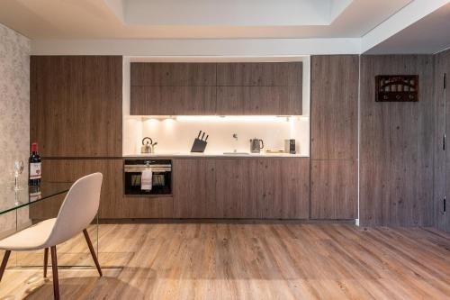 GuestReady - Mid-Century Apartment near Cais do Sodré - image 4
