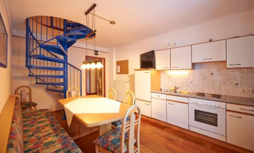 Family Apartment (6-8 Guests)