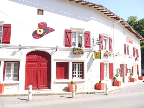 . Le Chapeau Rouge