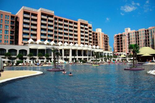 . Royal Beach Apartments