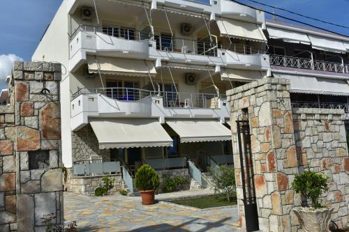 Antonis Hotel
