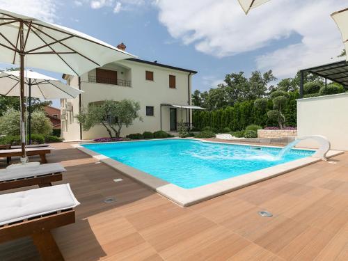 . Villa Birikina with Pool