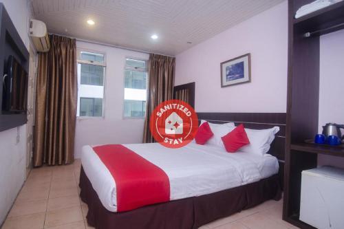 . OYO 991 Mayfair Hotel
