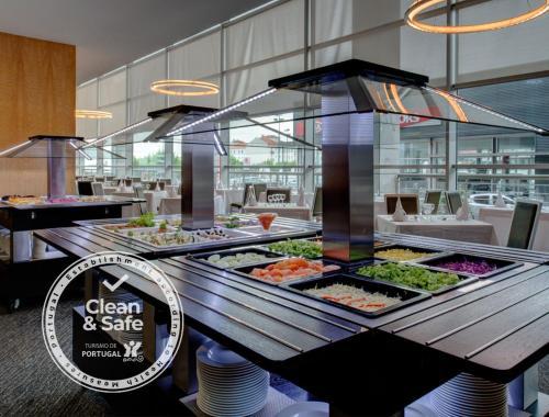 Vip Executive Azores Hotel - Photo 3 of 50